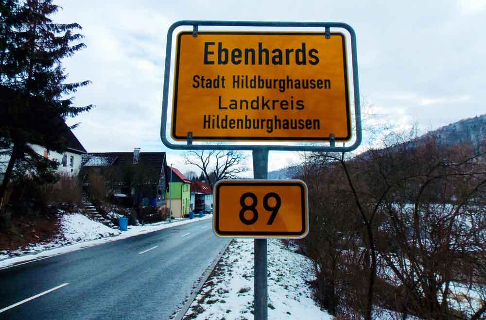 Hildburghausen oder Hildenburghausen? Pannenschild sorgt für Staunen