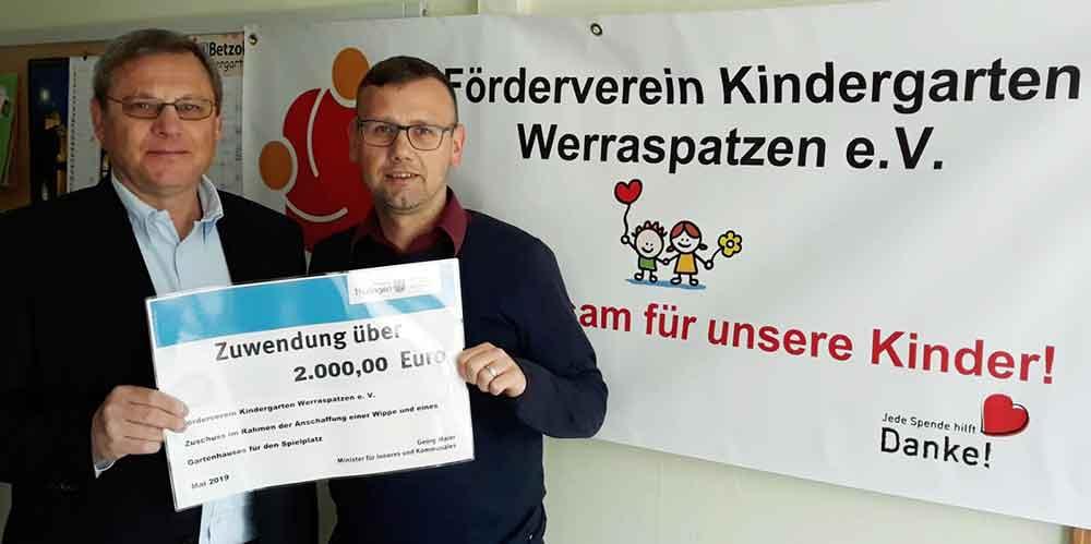 Spendenuebergabe-Werraspatzen