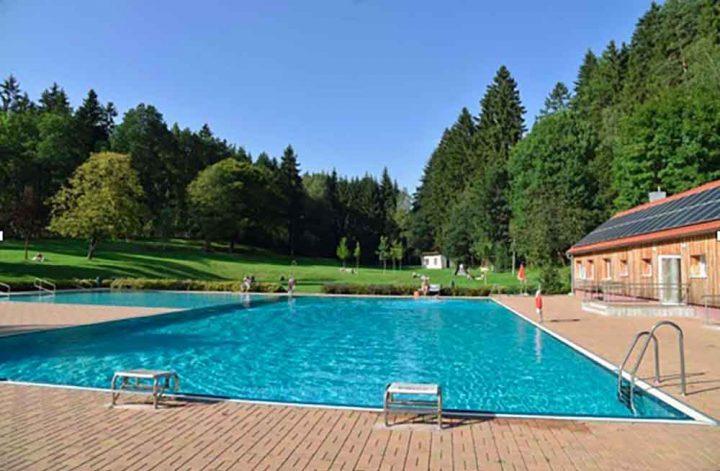 Schwimmbad-Erlau