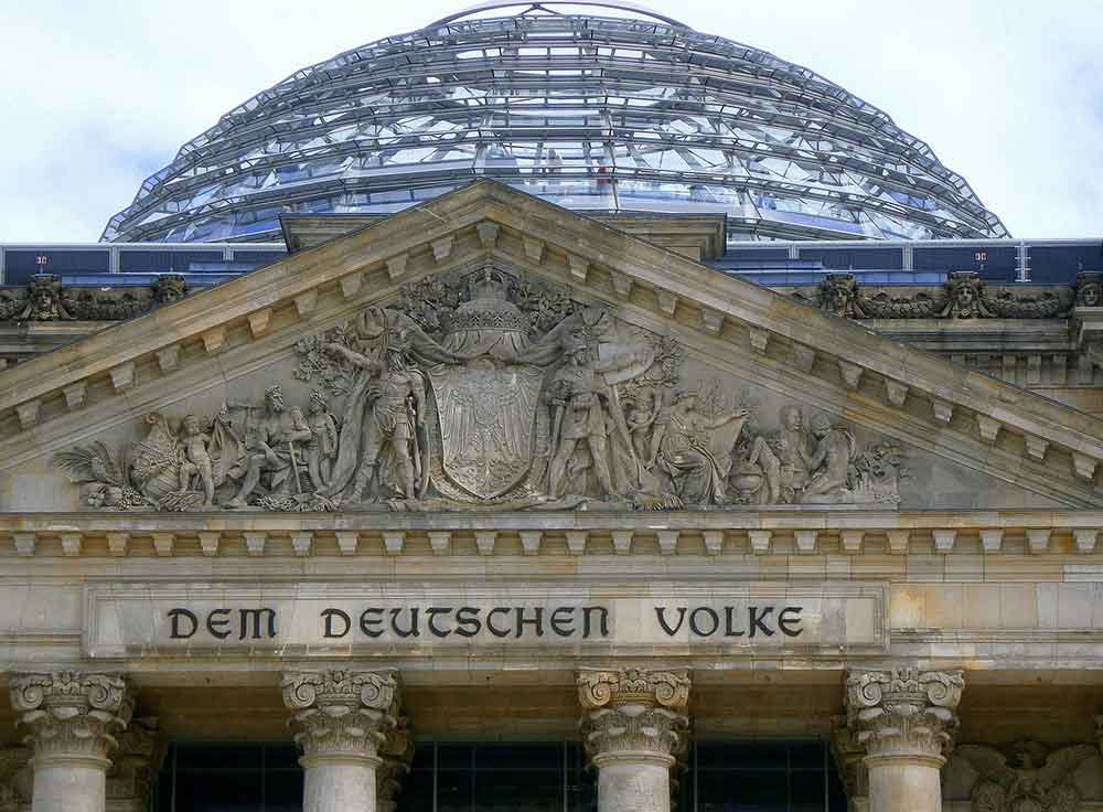 Im Bundestag beschlossen: Neue Indikatoren zur Beurteilung der Infektionslage und Auskunft zum Impfstatus