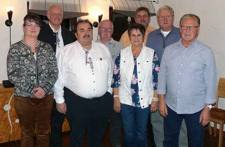 Vorstand-des-Thueringer-Waldvereins-Waffenrod-Hinterrod-neu-gewaehlt