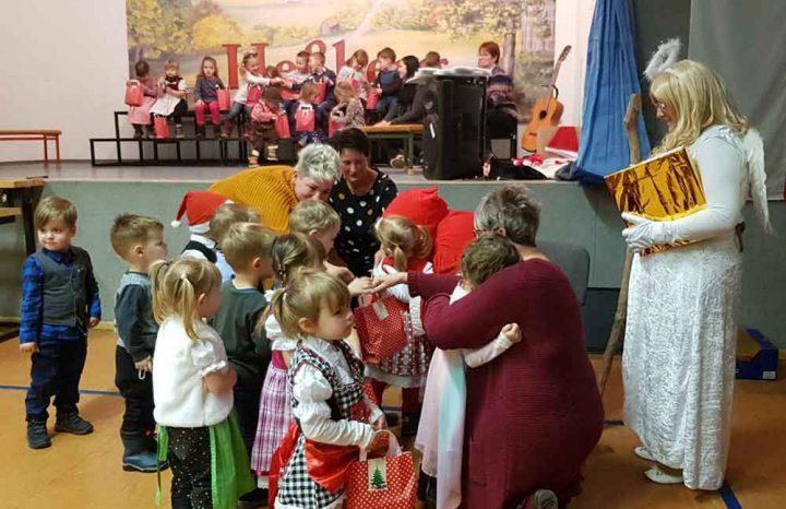 Weihnachtsfeier-Kindertagesstaette-Wiesenwichtel-01