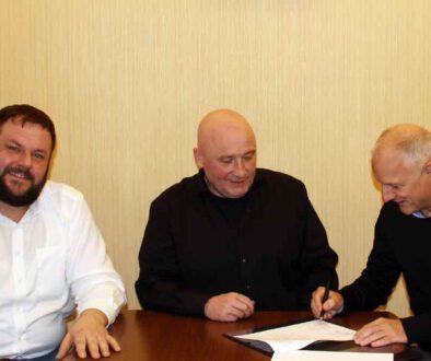 Wohnungsgesellschaft-verlaengert-Sponsorenvertrag-mit-FSV