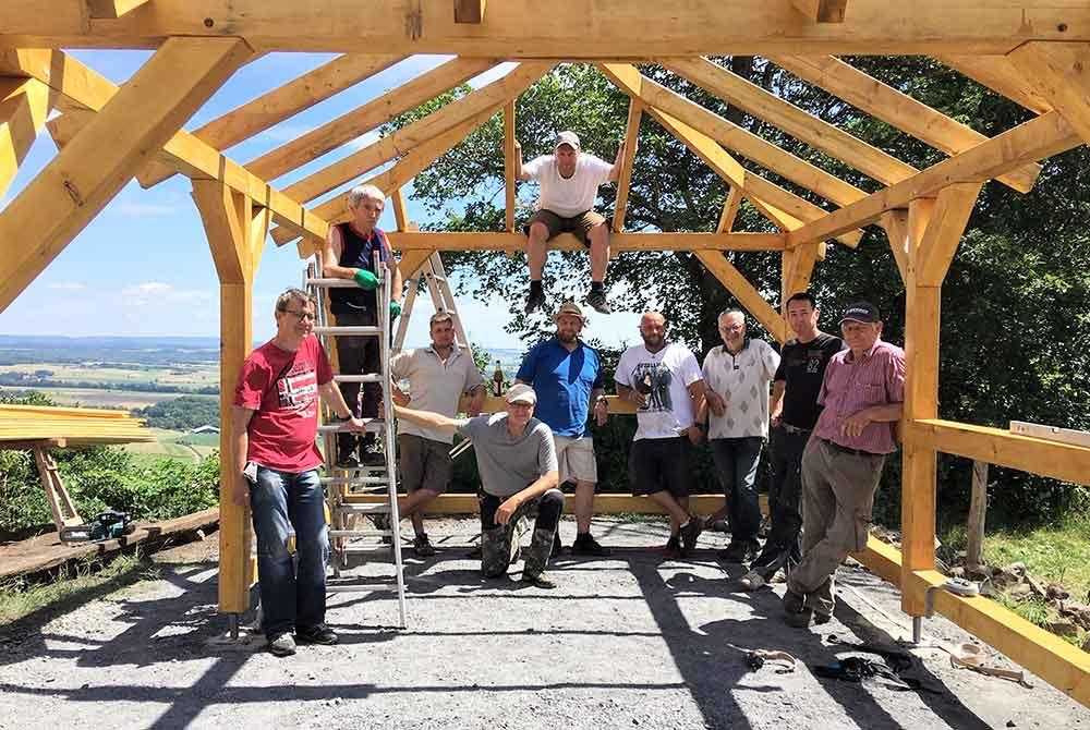 Errichtung einer Schutzhütte für Ausflügler auf dem Burgberg Straufhain