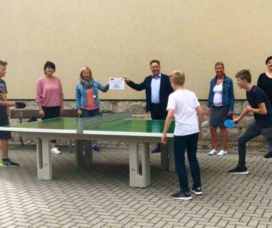 Eine-neue-Outdoor-Tischtennisplatte-RS-Schoenbrunn