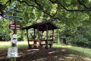 Steinfeld-neue-Sitzgruppe