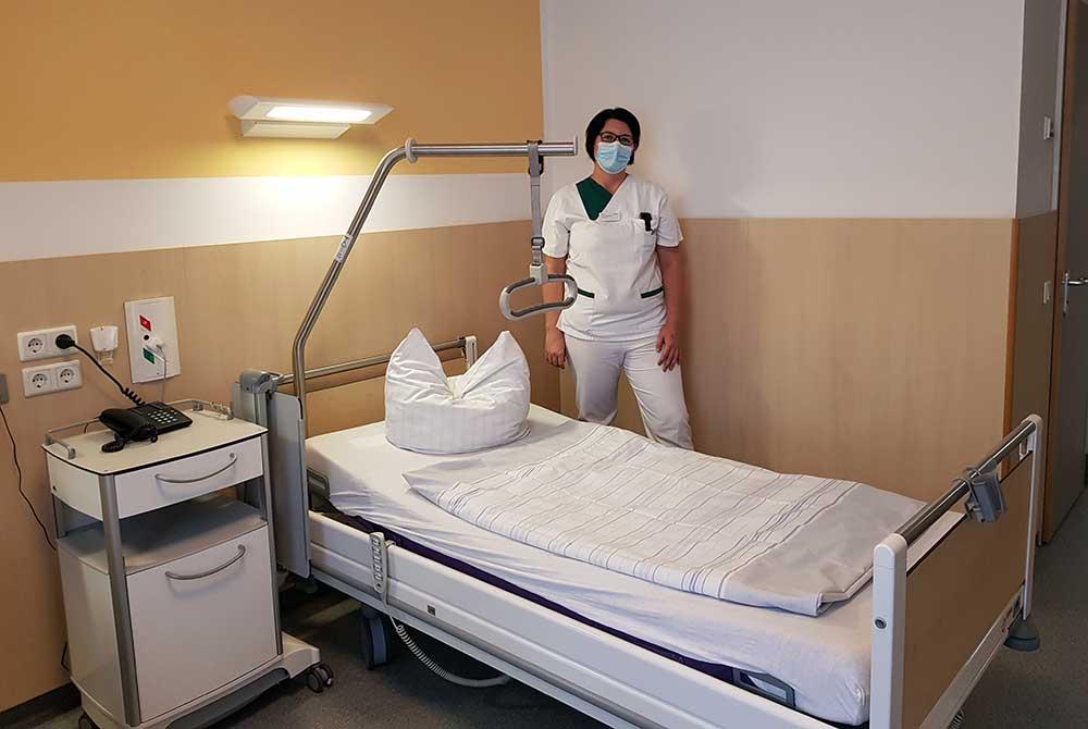Neue Betten für mehr Patientensicherheit und Komfort – Bettenspende für die Ukraine