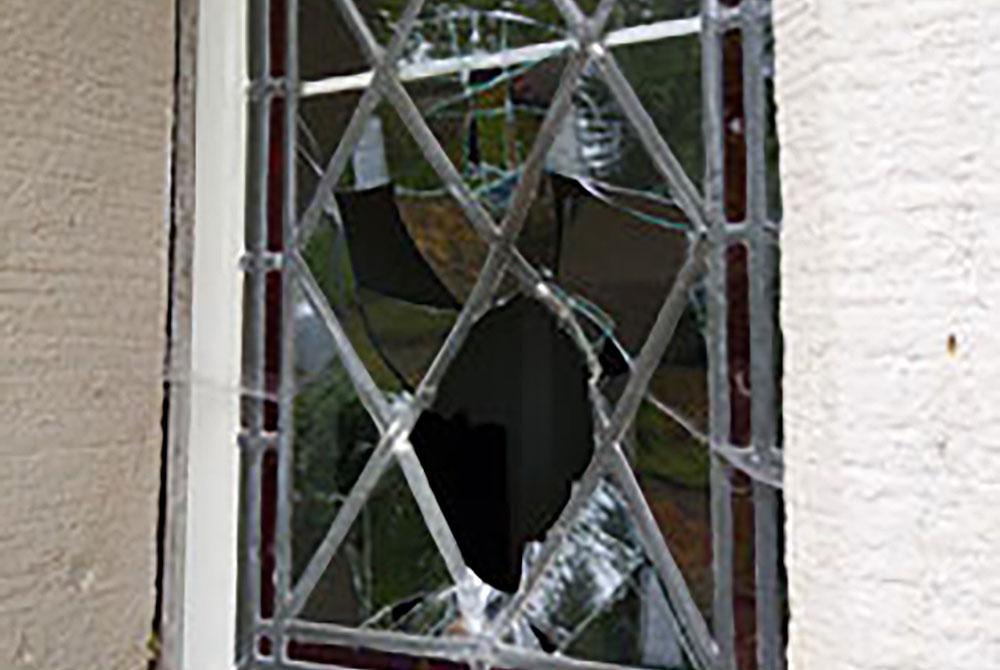 Attentat auf Schleusinger Kreuzkirche