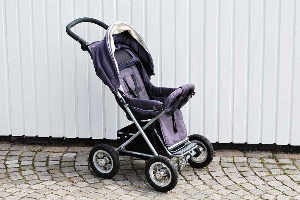 Kinderwagen geklaut und zum Verkauf angeboten