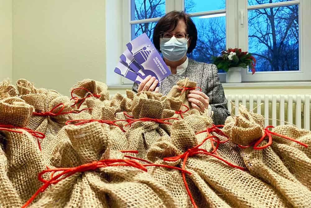 Weihnachtsüberraschung für Mitarbeiter in den Helios Fachkliniken Hildburghausen
