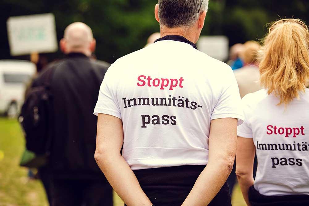 Werden nicht geimpfte Menschen in Zukunft von der Gesellschaft ausgeschlossen?
