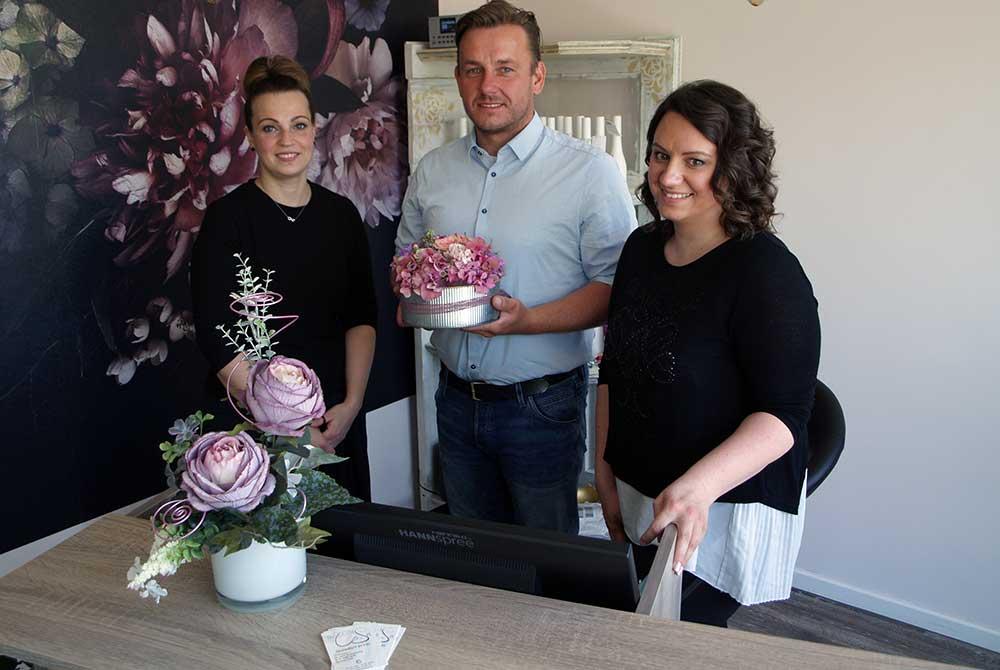 Carina und Sarah eröffneten Friseur-Salon in Hildburghausen