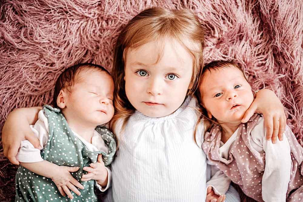 Babys-Finja-und-Paula-Fuchs-Foto-by-Denise-Klisch